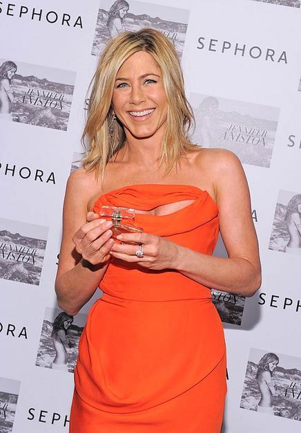Jennifer Aniston Hot New Hairstyle 2011