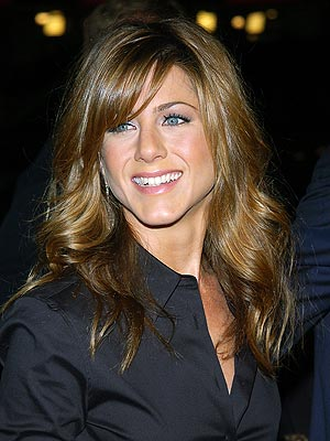 Jennifer Aniston Wavy Fringe Hairdo