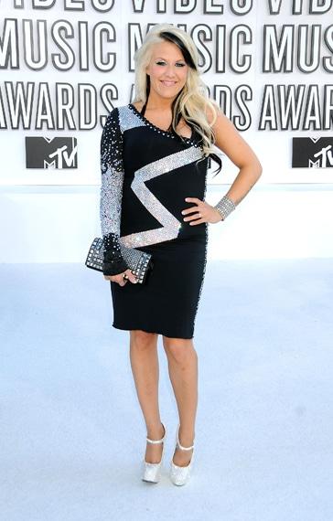 Natalie Horler VMA 2010 hairstyle